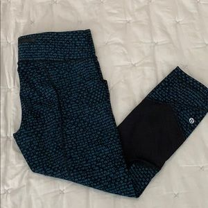 Lululemon Pace Rival crop size 8 teal and black